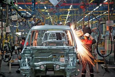 چرا نباید بخش نظامی به صنعت خودروسازی ورود کند؟