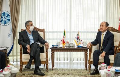روش آزادسازی مطالبات ایران در کره از زبان سفیر جدید