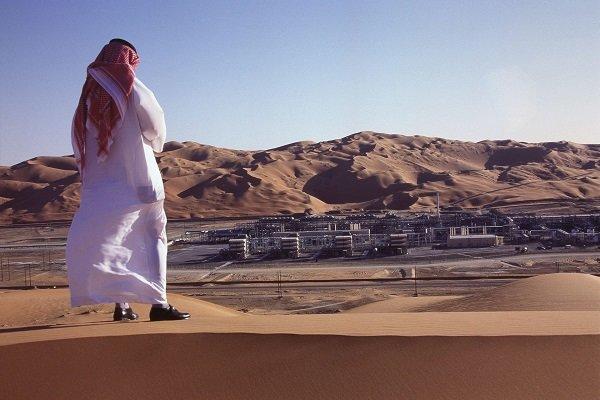 از جیب نفت خرج کردیم تا همسایهای از ما نرنجد/ ریاض به تدریج قدرت نفتی خود را از دست میدهد