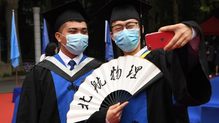 فارغالتحصیلان چینی به دنبال شغل