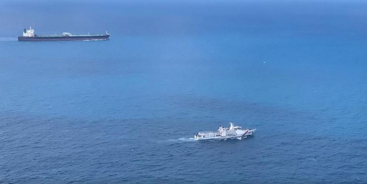 نفتکش توقیفی ایران در مسیر جزیره «باتام» اندونزی