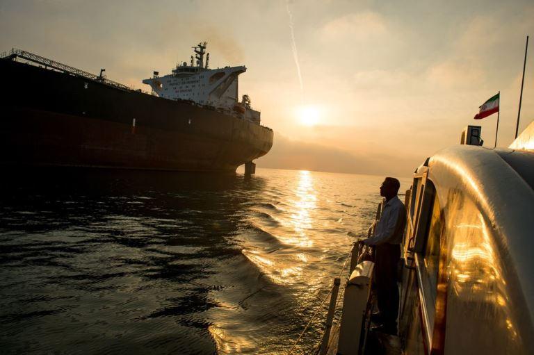 نفت در ازای روپیه و یوان، برای ایران زیان بار است